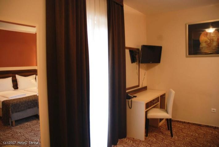 Camera Matrimoniale/Doppia con Letti Singoli con Balcone e Vista Mare